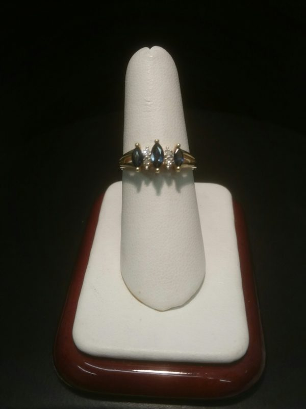 14K Yellow Gold Ladies Ring with 3 Sapphires